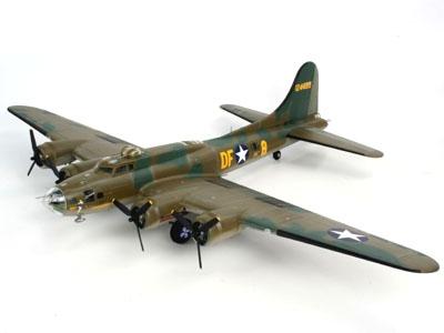 Revell B-17F `Memphis Belle`  1:48