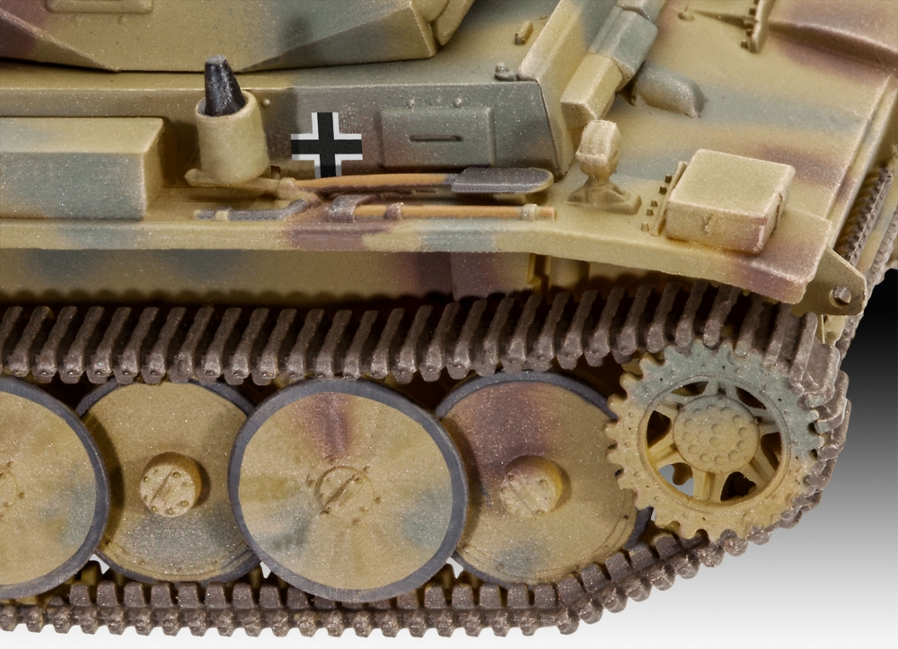 Revell PzKpfw II Ausf.L LUCHS (Sd.Kfz.123) 1:72